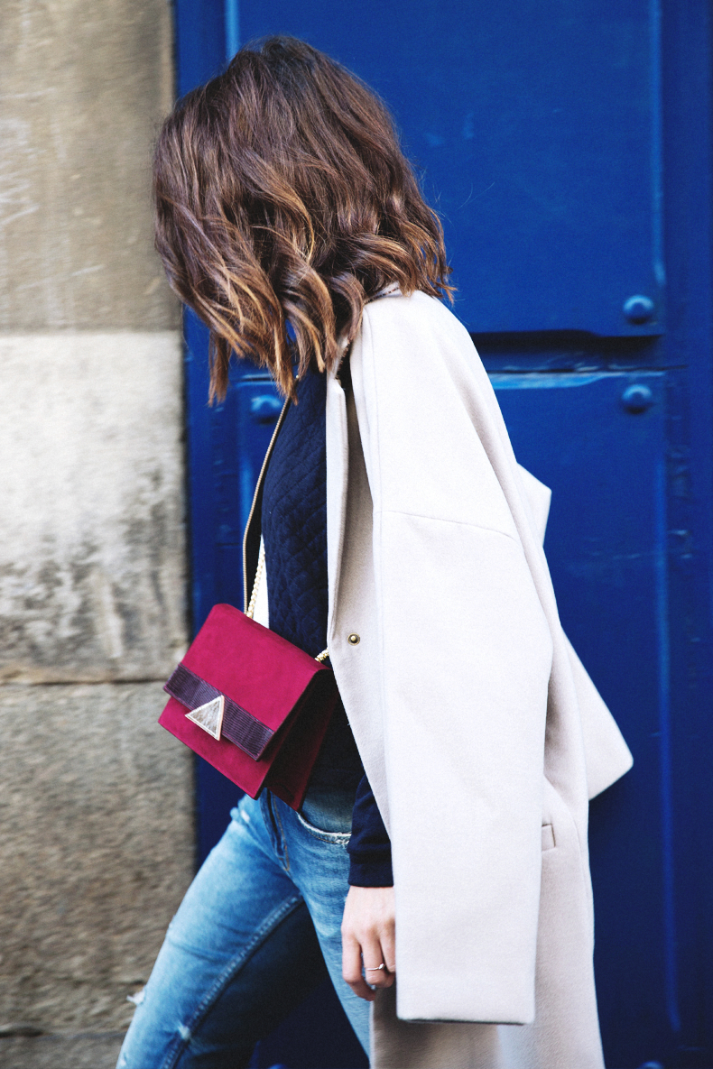Ripped_Jeans-Oversize_Coat-Bomber_Jacket-Tita_Madrid-Girissima-Outfit_Street_Style-16