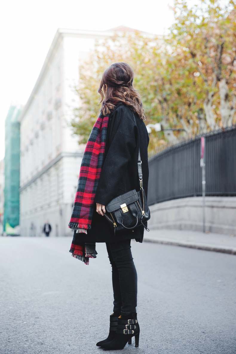 Be_Belted-Tartan_Scarf-Booties_Eden-Outfit-Collage_Vintage-Street_Style-11