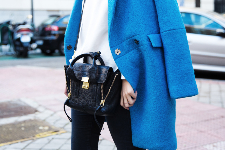 Blue_Coat-Carpe_Diem_Sweatshirt-Black_Booties-Street_Style-Collage_Vintage-Outfit-73