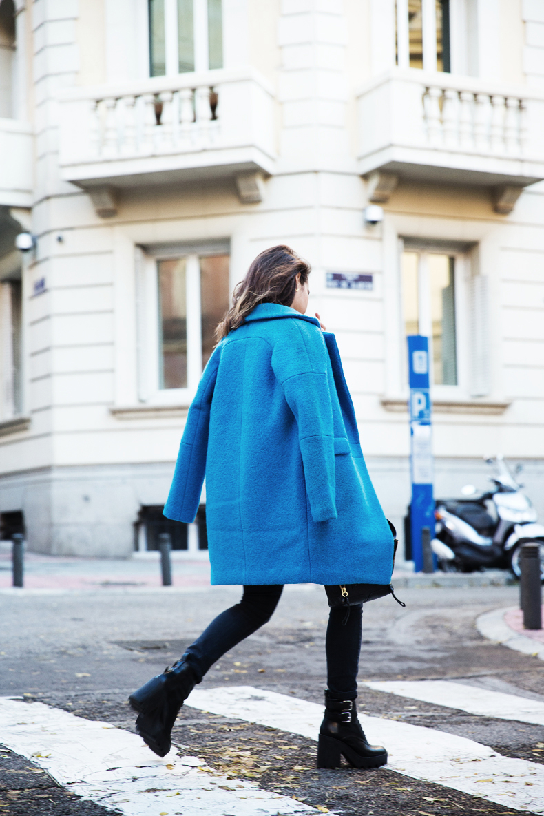 Blue_Coat-Carpe_Diem_Sweatshirt-Black_Booties-Street_Style-Collage_Vintage-Outfit-57