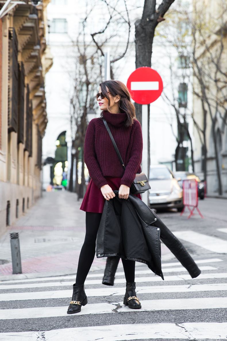 Burgundy_Outfit-Turtleneck_Jumper-Chained_Booties-Outfit-Street_Style-29