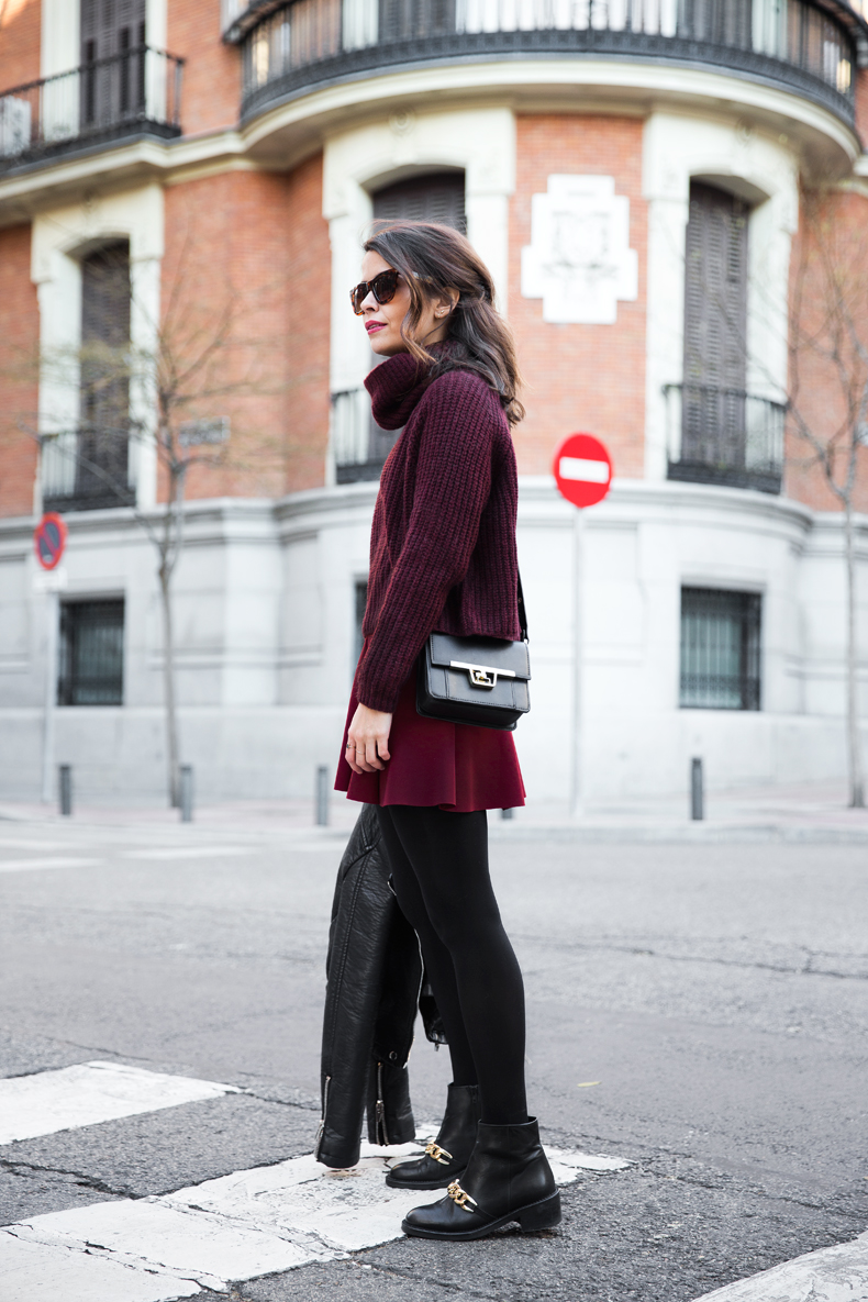 Burgundy_Outfit-Turtleneck_Jumper-Chained_Booties-Outfit-Street_Style-