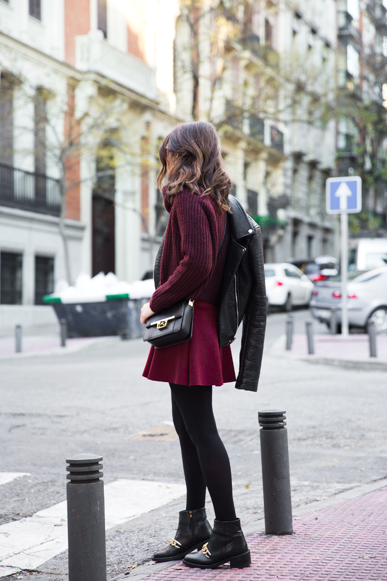 Burgundy_Outfit-Turtleneck_Jumper-Chained_Booties-Outfit-Street_Style-22