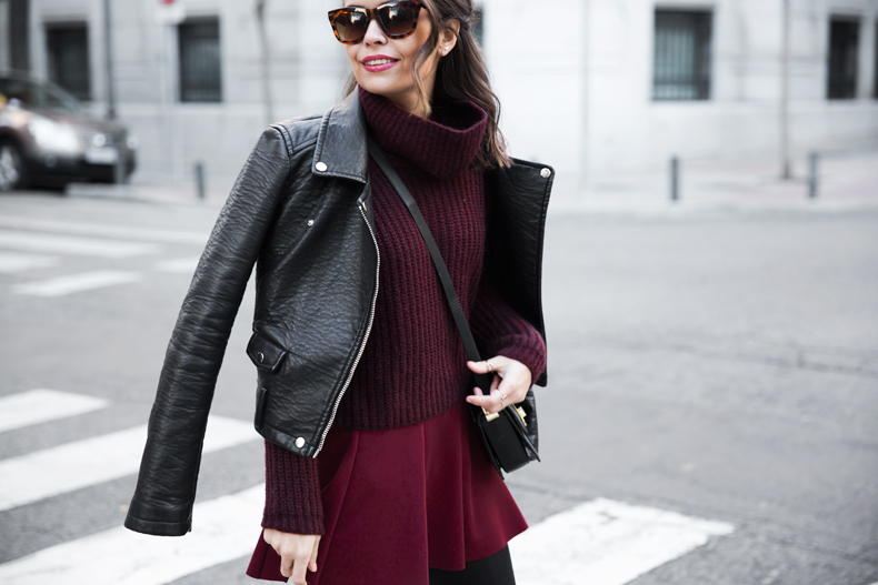 Burgundy_Outfit-Turtleneck_Jumper-Chained_Booties-Outfit-Street_Style-14