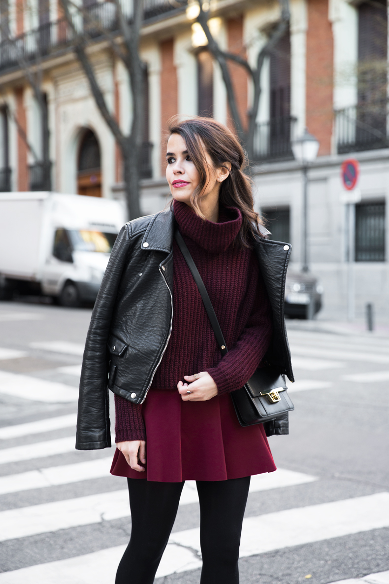 Burgundy_Outfit-Turtleneck_Jumper-Chained_Booties-Outfit-Street_Style-21