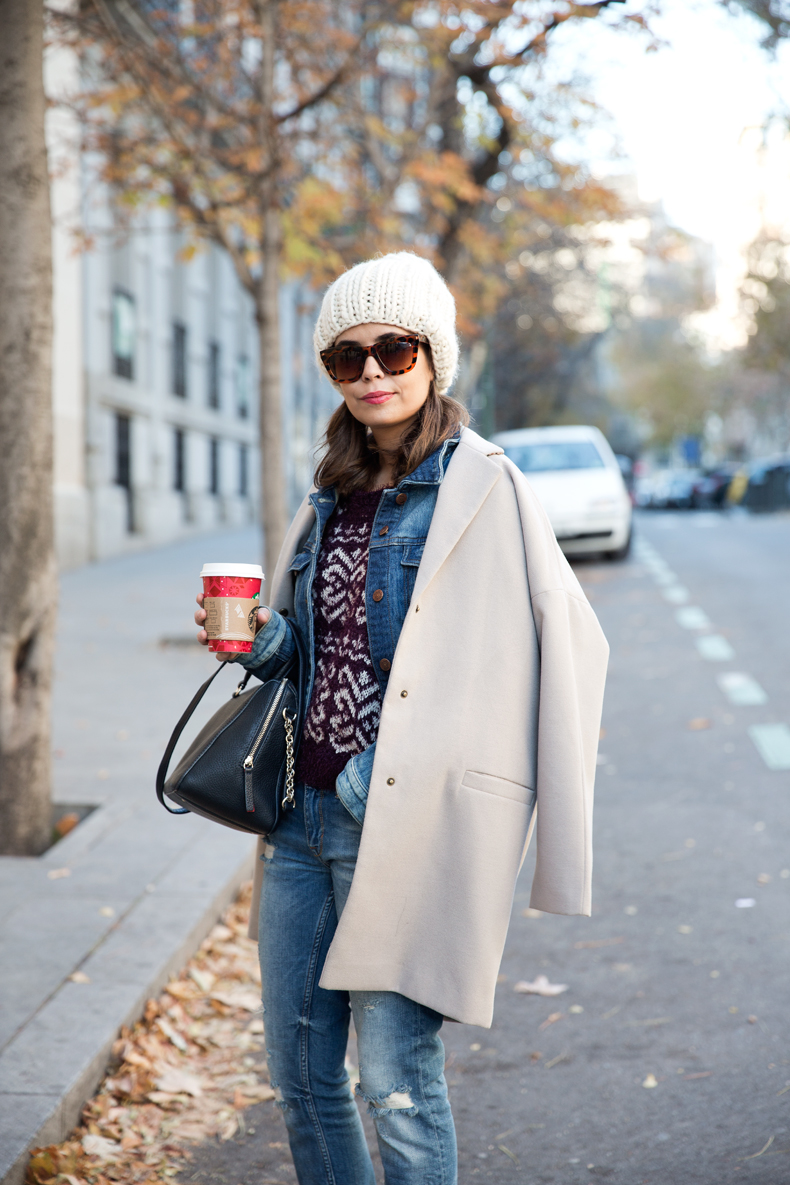 Beanie-Ripped_Jeans-Oversize_Coat-Outfit-Street_Style-22