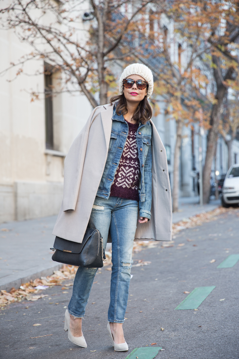 Beanie-Ripped_Jeans-Oversize_Coat-Outfit-Street_Style-68