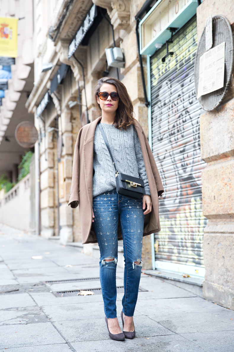 Embroidered_Jeans-Abercrombie-Knitwear-Camel_Coat-Street_Style-Outfit-25