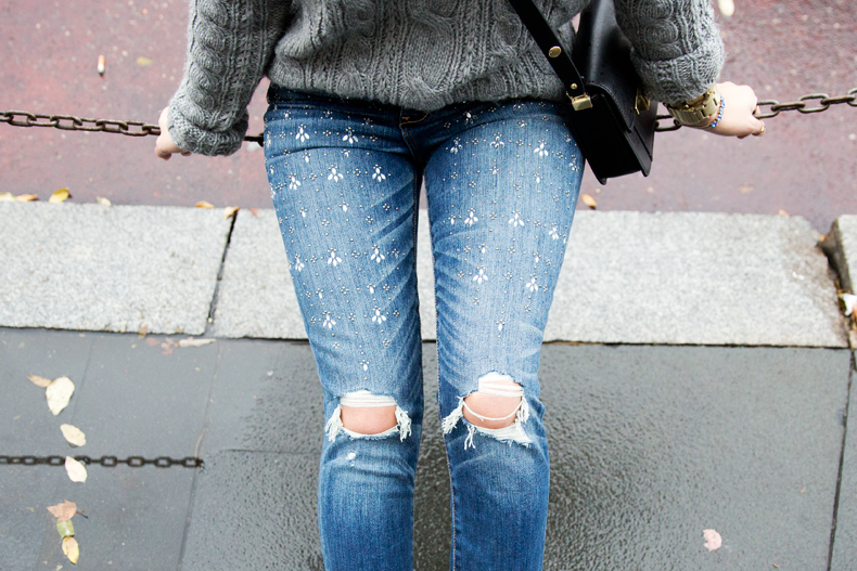 Embroidered_Jeans-Abercrombie-Knitwear-Camel_Coat-Street_Style-Outfit-10
