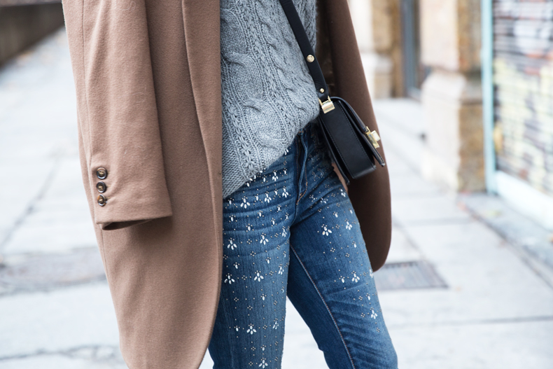 Embroidered_Jeans-Abercrombie-Knitwear-Camel_Coat-Street_Style-Outfit-11