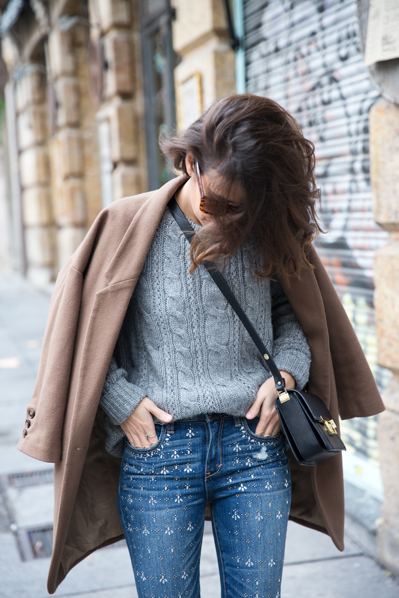 Embroidered_Jeans-Abercrombie-Knitwear-Camel_Coat-Street_Style-Outfit-8
