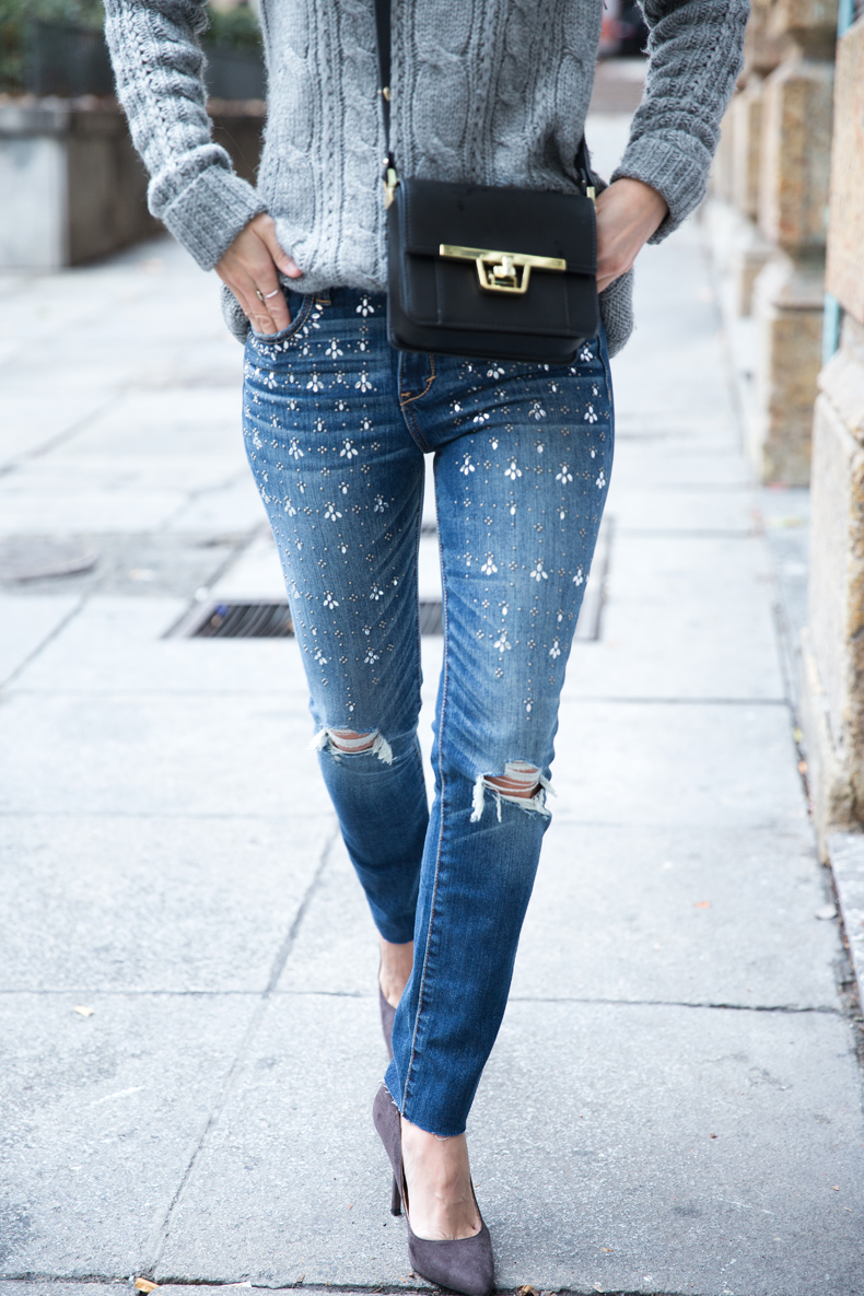 Embroidered_Jeans-Abercrombie-Knitwear-Camel_Coat-Street_Style-Outfit-4
