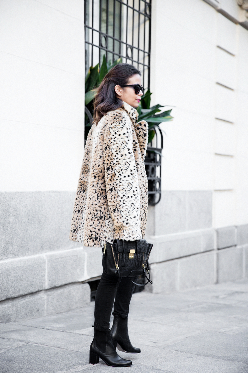 Collagevintage_Collection-Chelsea_Boots-Leopard_Coat-Sreet_Style-Outfit-39