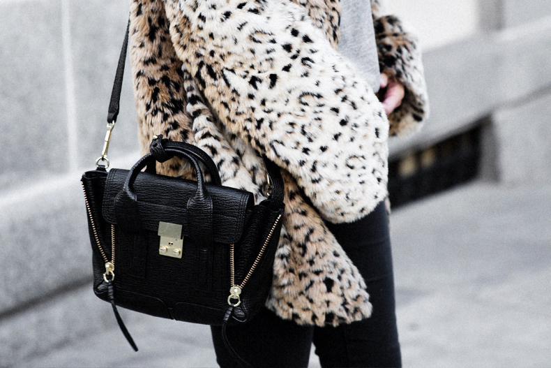 Collagevintage_Collection-Chelsea_Boots-Leopard_Coat-Sreet_Style-Outfit-33