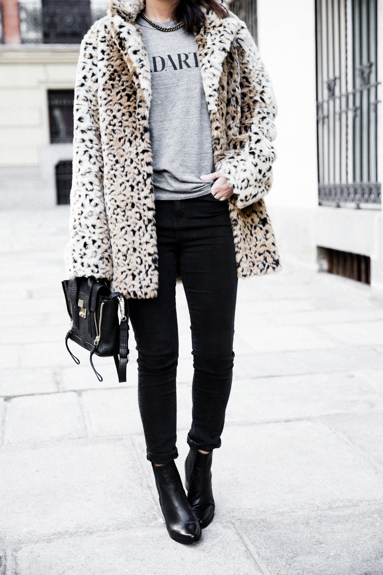 Collagevintage_Collection-Chelsea_Boots-Leopard_Coat-Sreet_Style-Outfit-11