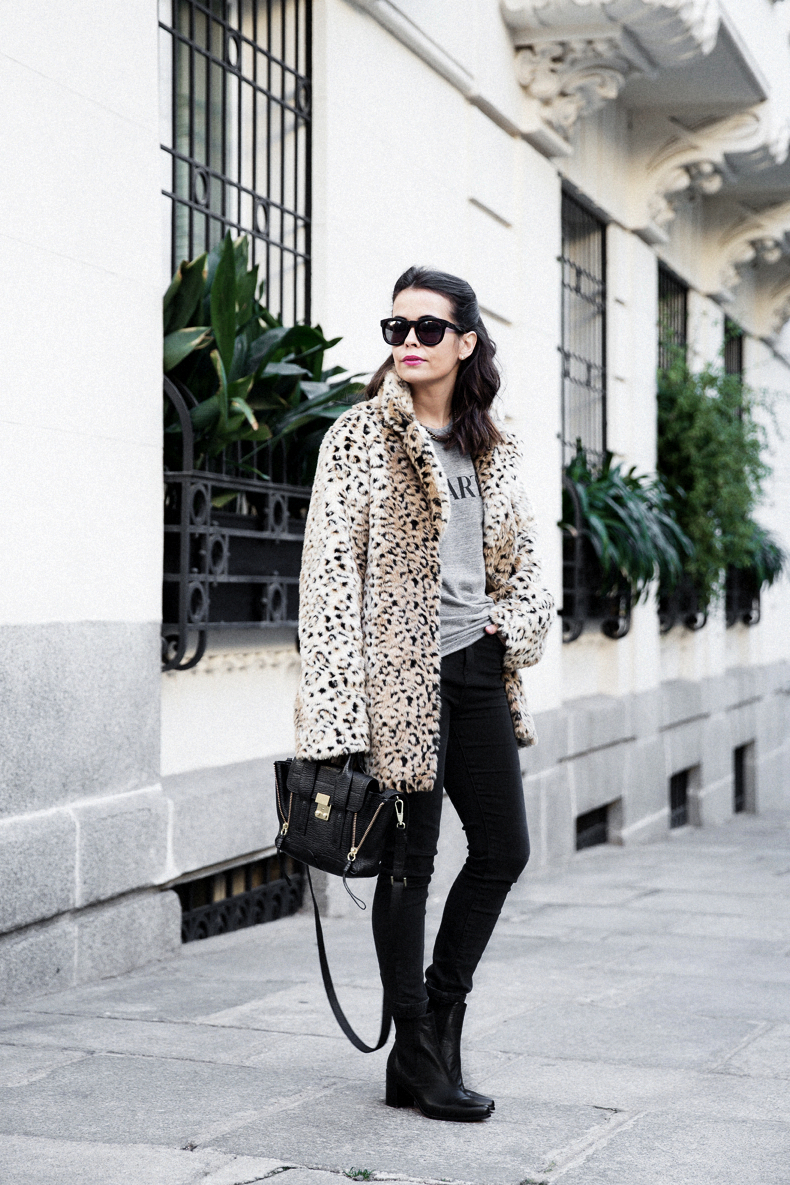 Collagevintage_Collection-Chelsea_Boots-Leopard_Coat-Sreet_Style-Outfit-14