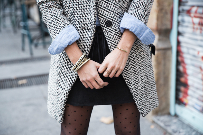 Suede_Skirt-Black_And_White_Coat-Street_Style-Outfits-Collage_Vintage-Plumetti-Wolford-54