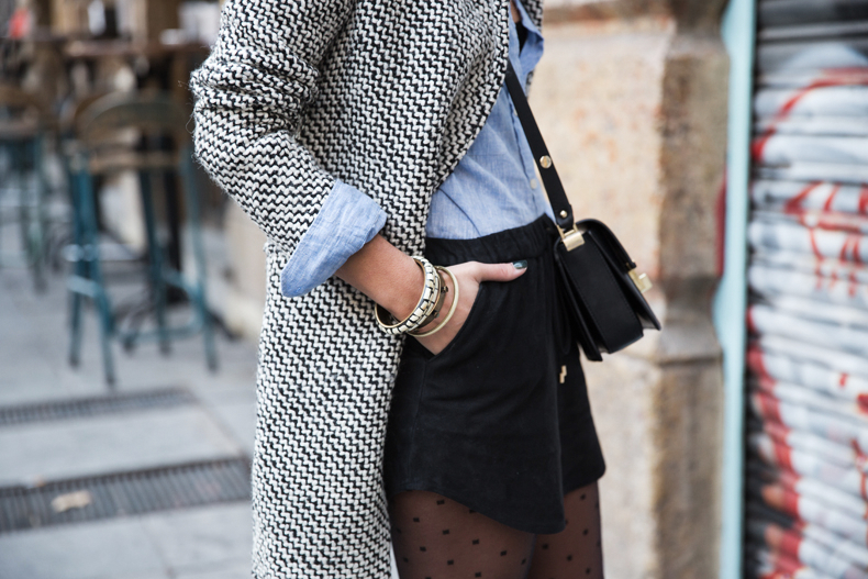 Suede_Skirt-Black_And_White_Coat-Street_Style-Outfits-Collage_Vintage-Plumetti-Wolford-52