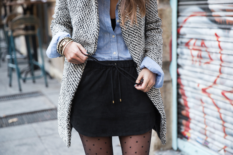 Suede_Skirt-Black_And_White_Coat-Street_Style-Outfits-Collage_Vintage-Plumetti-Wolford-31