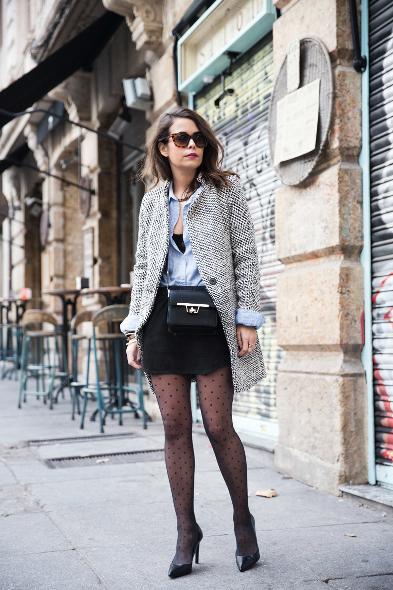 Suede_Skirt-Black_And_White_Coat-Street_Style-Outfits-Collage_Vintage-Plumetti-Wolford-48