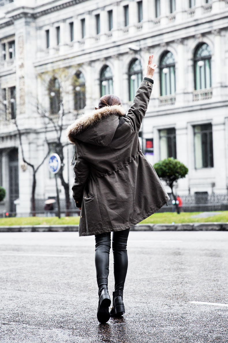 Sweatshirt-Leather_Pants-Parka_Kookai-Style-Chained_Boots-Collage_Vintage-Street_Style-Outfit-18