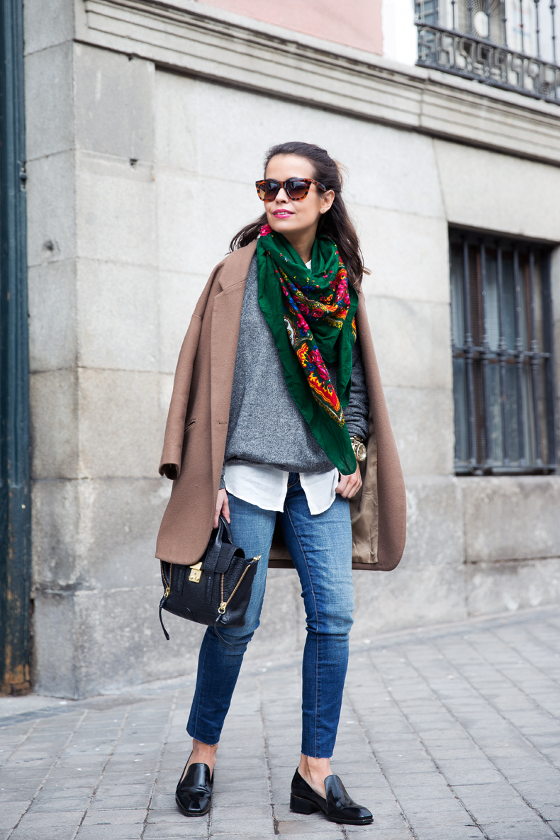 Loafers-Buylevard-Camel_Coat-Sweatshirt-Floral_Scarf-Style-Outfit-19
