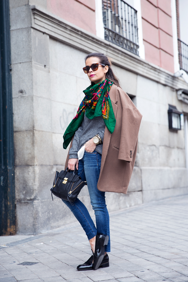 Loafers-Buylevard-Camel_Coat-Sweatshirt-Floral_Scarf-Style-Outfit-25