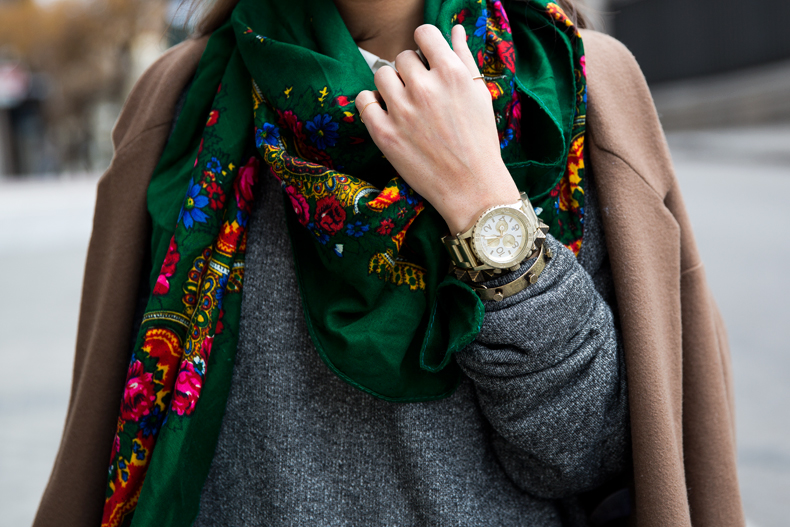 Loafers-Buylevard-Camel_Coat-Sweatshirt-Floral_Scarf-Style-Outfit-16
