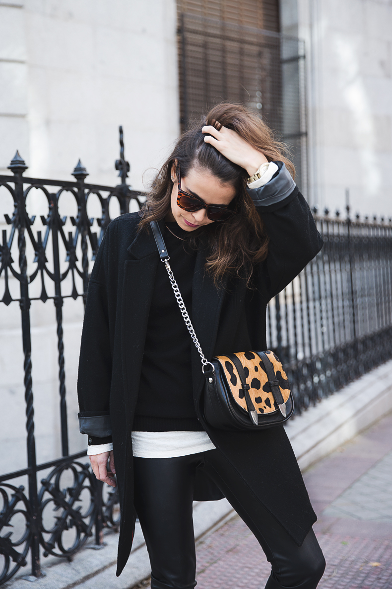 Black_Outfit-Sneakers-Nike-Leopard_Bag-SuShi_Bags-Outfit-Street_Style-Collage_Vintage-3