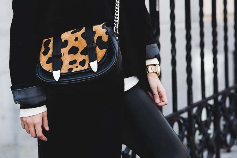 Black_Outfit-Sneakers-Nike-Leopard_Bag-SuShi_Bags-Outfit-Street_Style-Collage_Vintage-31