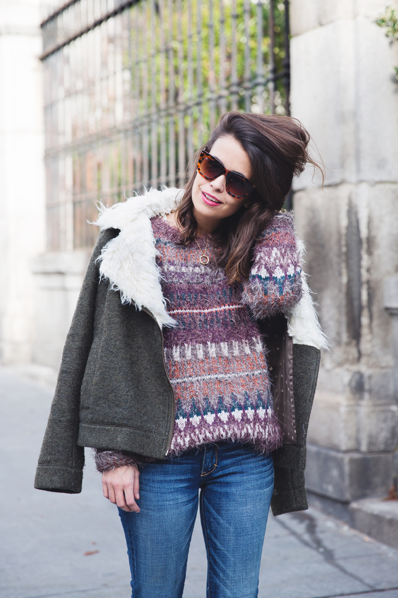 Fluffly_Sweater-Jeans_Abercrombie_And_Fitch-Jeans-Sam_Edelman-Outfit-Shearling_Jacket-Street_Style-15