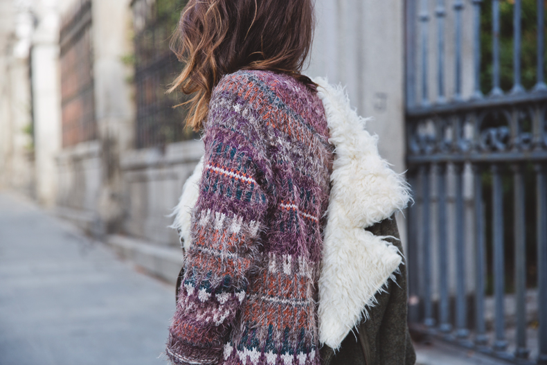 Fluffly_Sweater-Jeans_Abercrombie_And_Fitch-Jeans-Sam_Edelman-Outfit-Shearling_Jacket-Street_Style-17