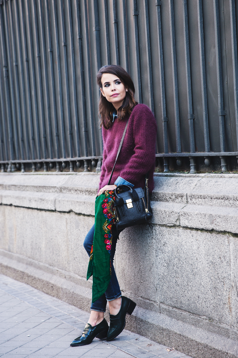 Double_Denim-Loafers-Burgundy_Jumper-Outfit-Vintage_Scarf-Street_Style-1