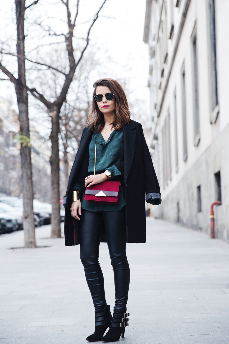 Leather_Trousers-Black_Coat-Gree_Shirt-Burgundy-Outfit-Street_style-33