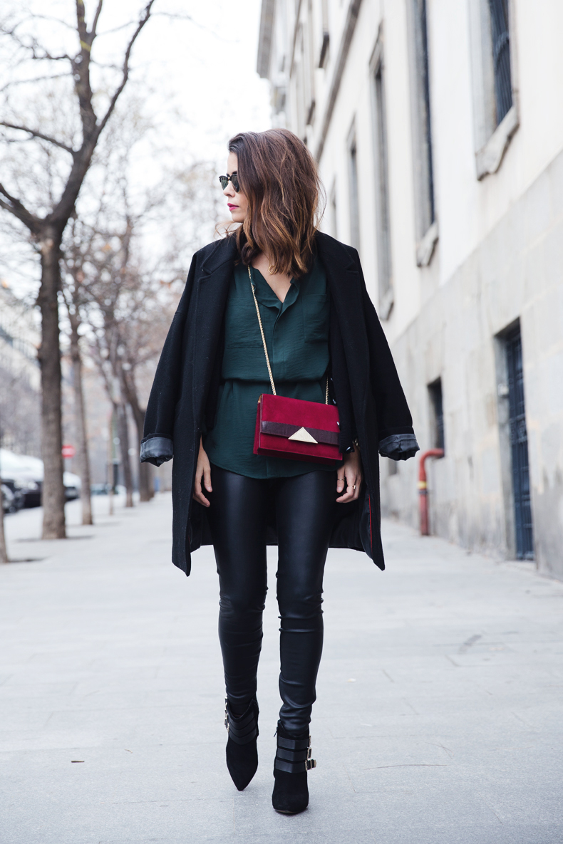Leather_Trousers-Black_Coat-Gree_Shirt-Burgundy-Outfit-Street_style-37