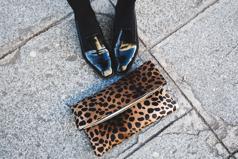 Leopard_Clutch-Clare_Vivier-Mixing_Prints-Outfit-Street_Style-50