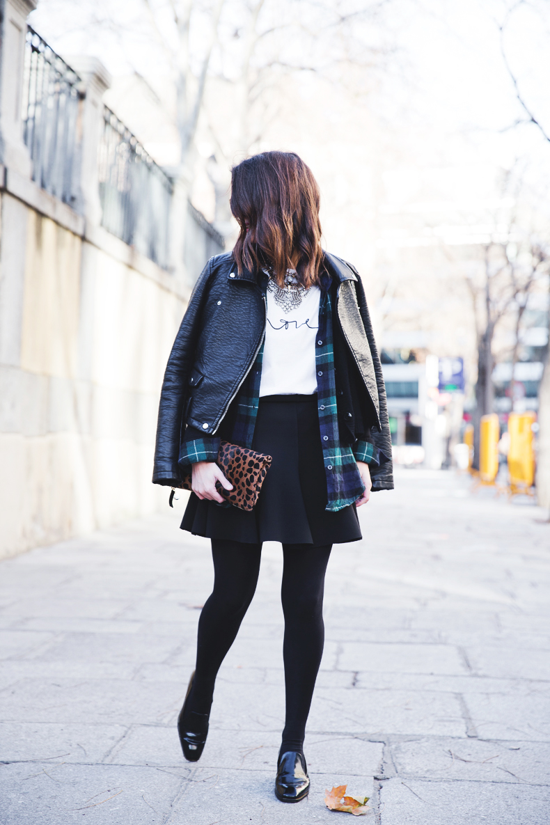 Leopard_Clutch-Clare_Vivier-Mixing_Prints-Outfit-Street_Style-23