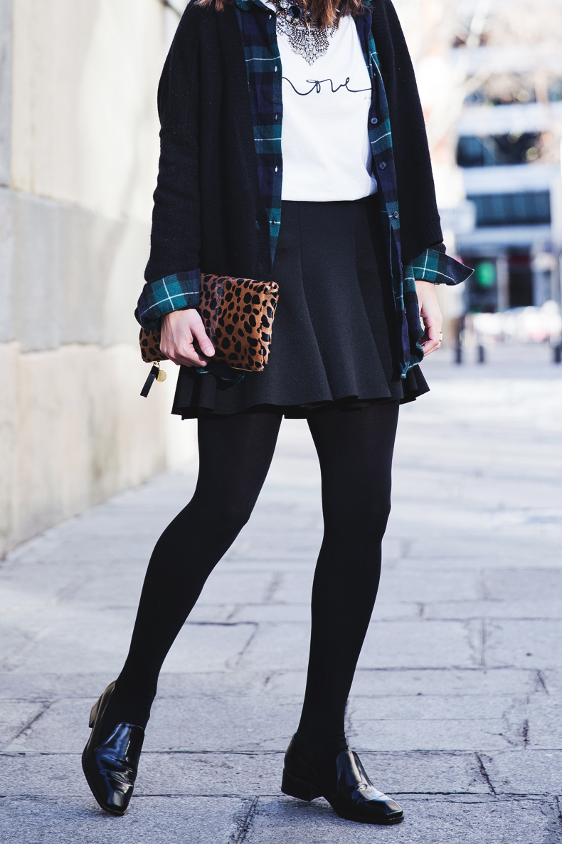 Leopard_Clutch-Clare_Vivier-Mixing_Prints-Outfit-Street_Style-10