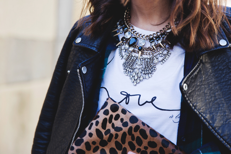 Leopard_Clutch-Clare_Vivier-Mixing_Prints-Outfit-Street_Style-45