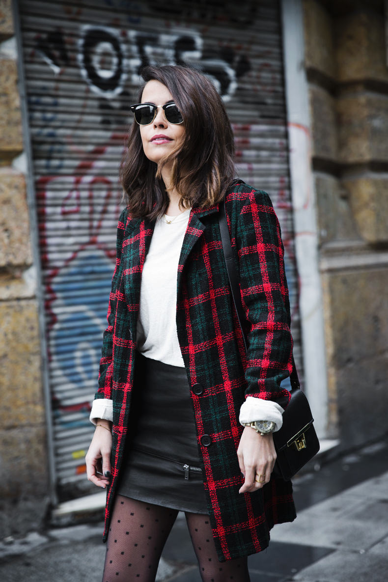 Check_Blazer-Asos-Leather_Skirt-Heels-Collage_Vintage-outfit-Street_Style-53