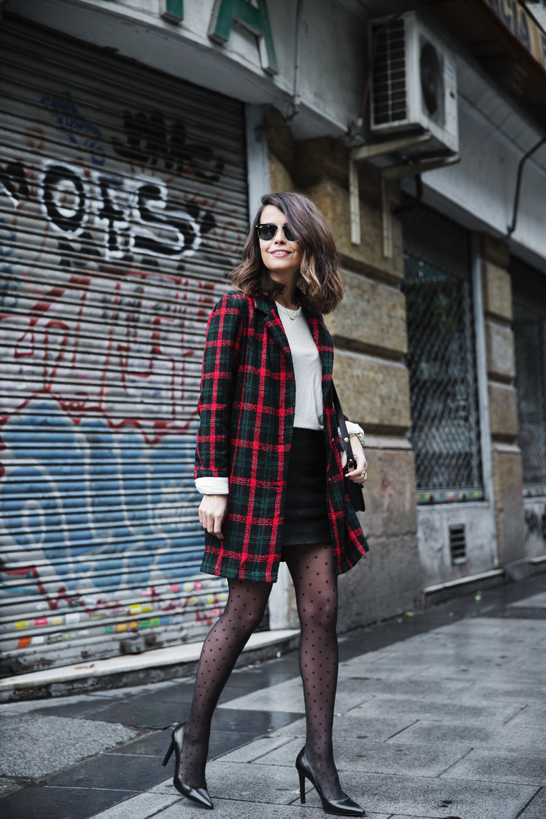Check_Blazer-Asos-Leather_Skirt-Heels-Collage_Vintage-outfit-Street_Style-15