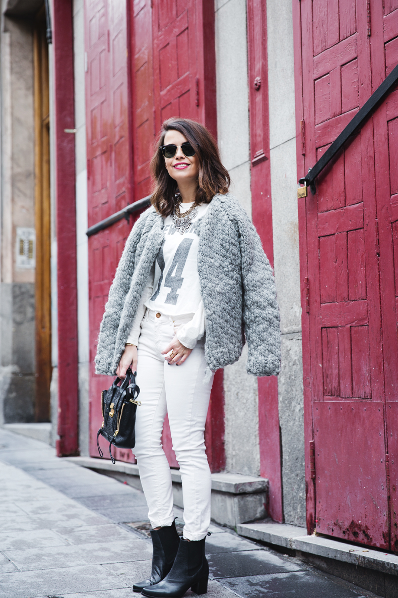 Cozy_Cardigan-Girissima-White_Outfit-Winter-Street_Style-Collage_Vintage-2