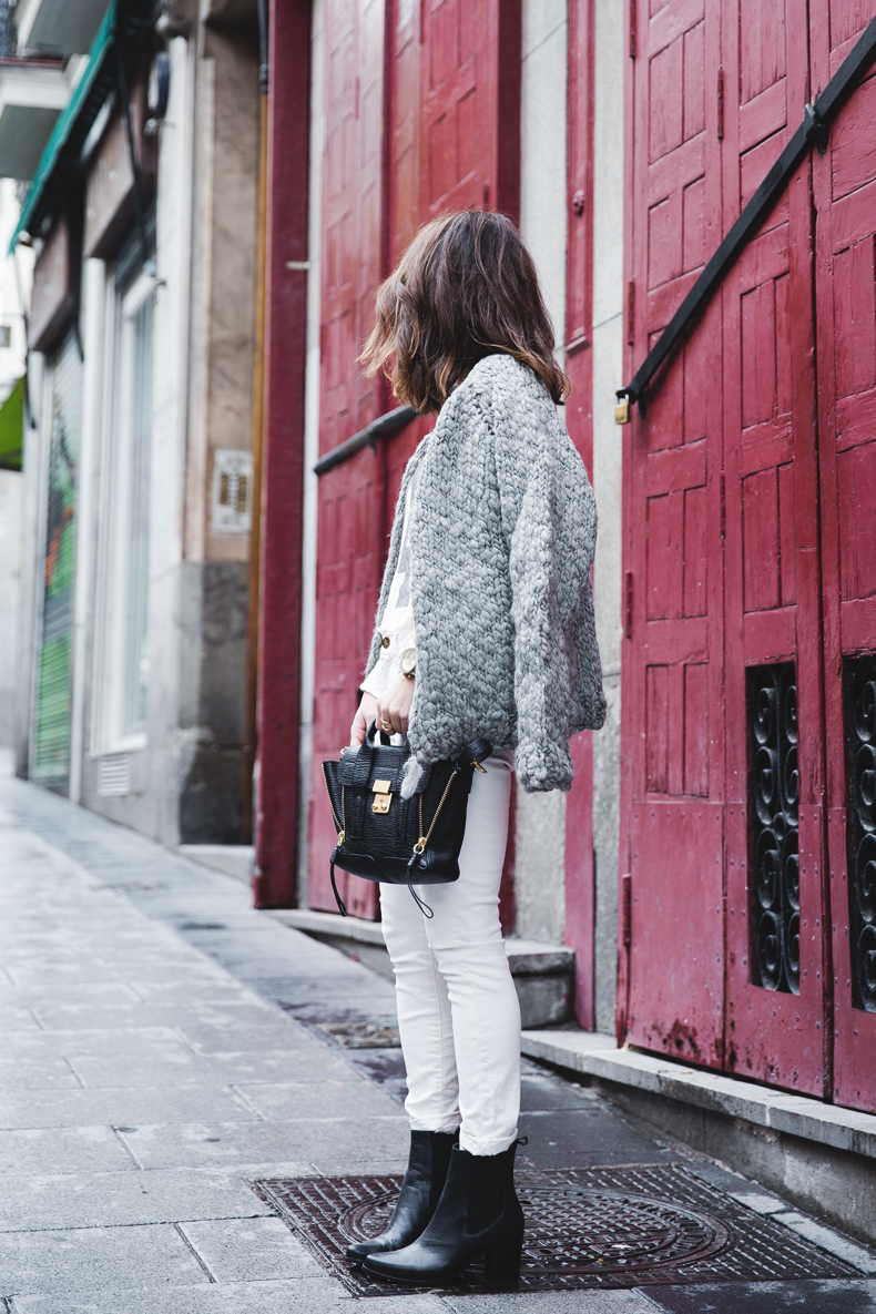 Cozy_Cardigan-Girissima-White_Outfit-Winter-Street_Style-Collage_Vintage-15