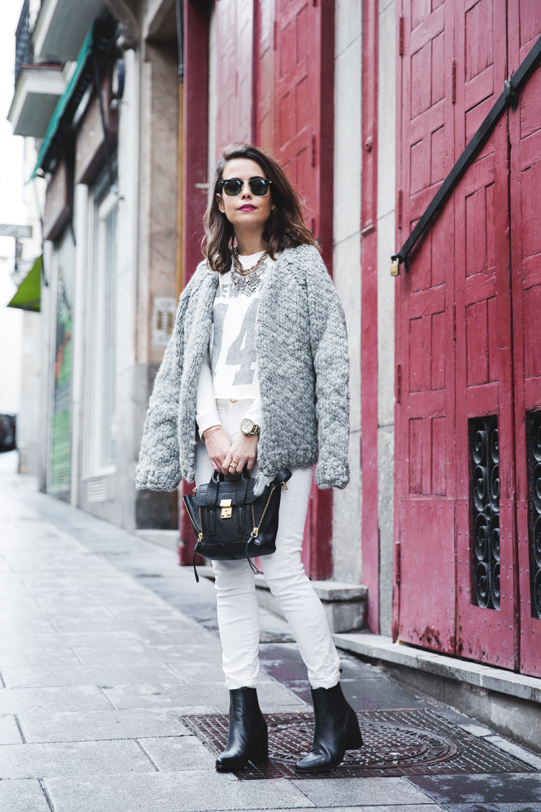 Cozy_Cardigan-Girissima-White_Outfit-Winter-Street_Style-Collage_Vintage-9