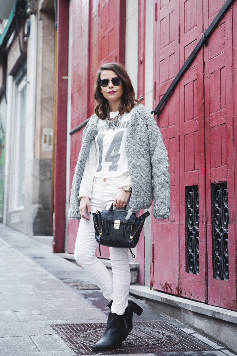 Cozy_Cardigan-Girissima-White_Outfit-Winter-Street_Style-Collage_Vintage-13