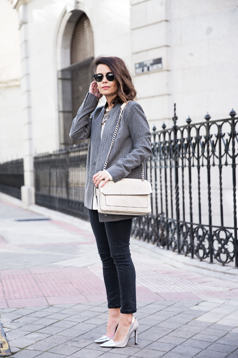 Pinstripe_Blazer-Outfit-Grey_Shoes-Jeans-Snake_Bag-collage_Vintage-street_Style-outfit-5
