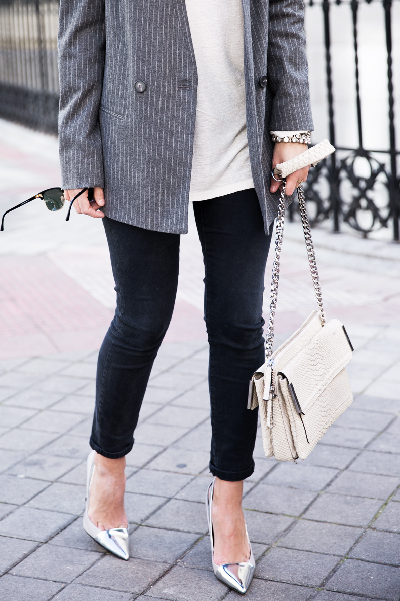 Pinstripe_Blazer-Outfit-Grey_Shoes-Jeans-Snake_Bag-collage_Vintage-street_Style-outfit-4