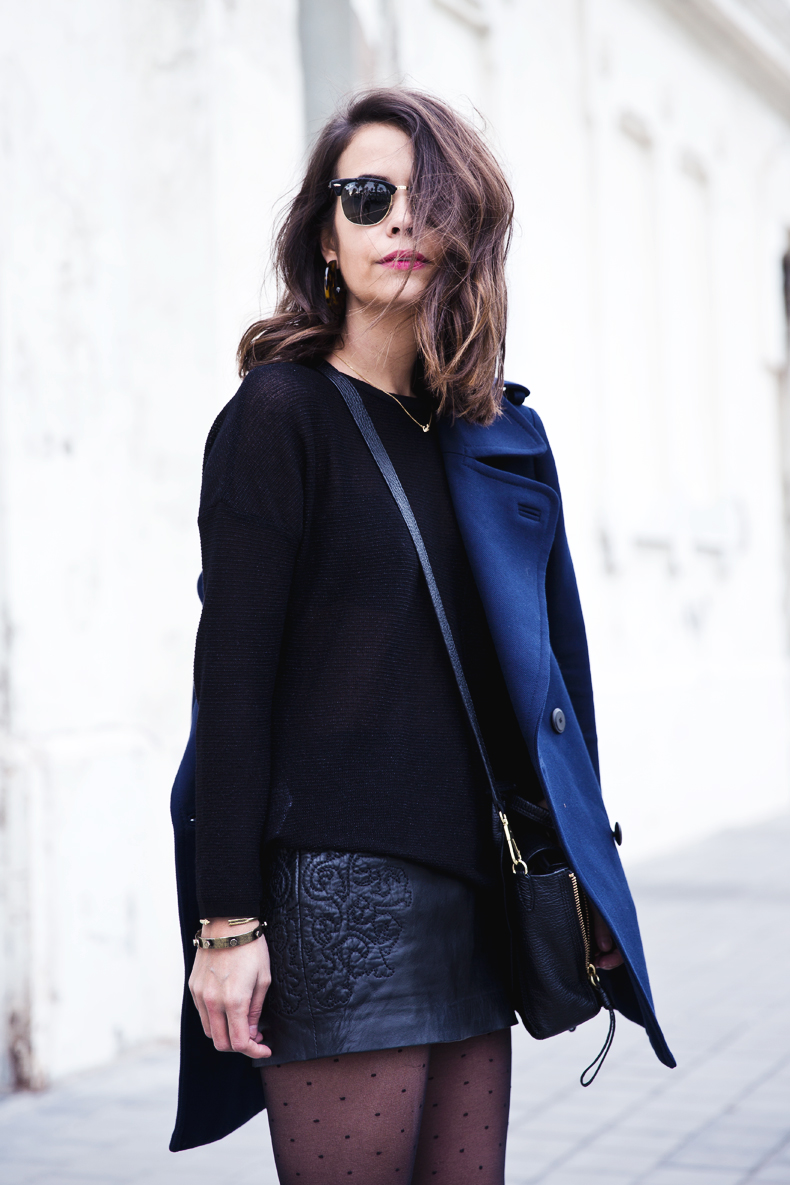 Mango_Outfit-Blue_Coat-LEather_Skirt-Plumetti_Tights-Outfit-Street_Style-14