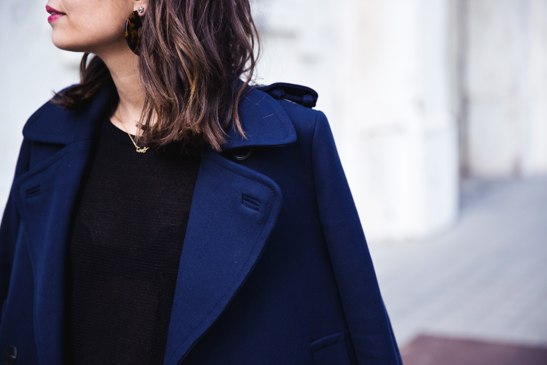 Mango_Outfit-Blue_Coat-LEather_Skirt-Plumetti_Tights-Outfit-Street_Style-25