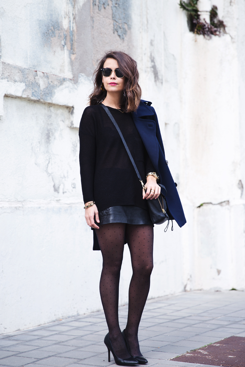 Mango_Outfit-Blue_Coat-LEather_Skirt-Plumetti_Tights-Outfit-Street_Style-